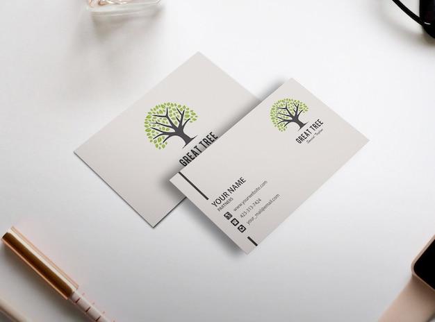 Design semplice mockup biglietto da visita bianco