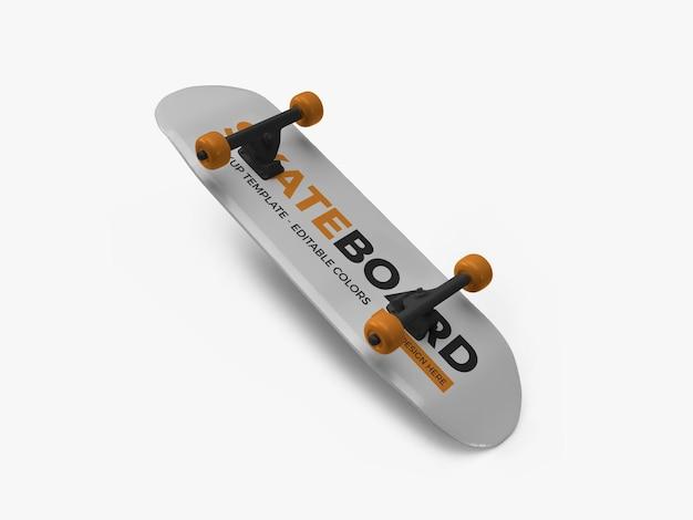 Skateboard mockup design isolato