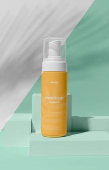 Assortimento mock-up di prodotti per la cura della pelle