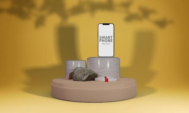 Smartphone sul podio a mosaico con mockup di oggetti estivi