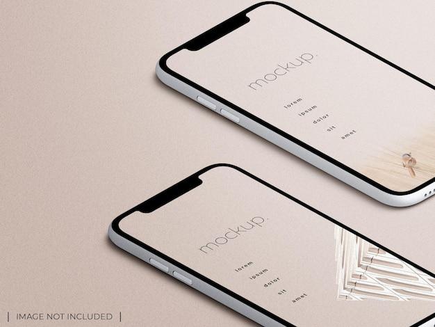 Visualizzazione isometrica di presentazione del mockup dello schermo dell'app multi dispositivo per smartphone isolata