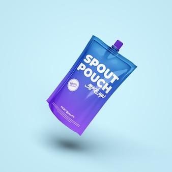Mockup realistico della bustina della bevanda del sacchetto del becco isolato