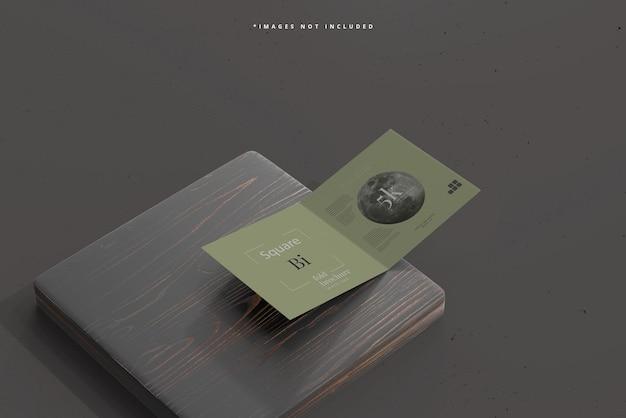 Brochure pieghevole pieghevole quadrato mockup