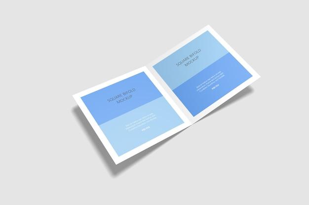 Mockup di brochure bifold quadrato isolato