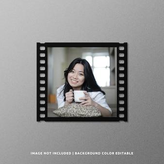Mockup di cornice di pellicola di carta nera quadrata