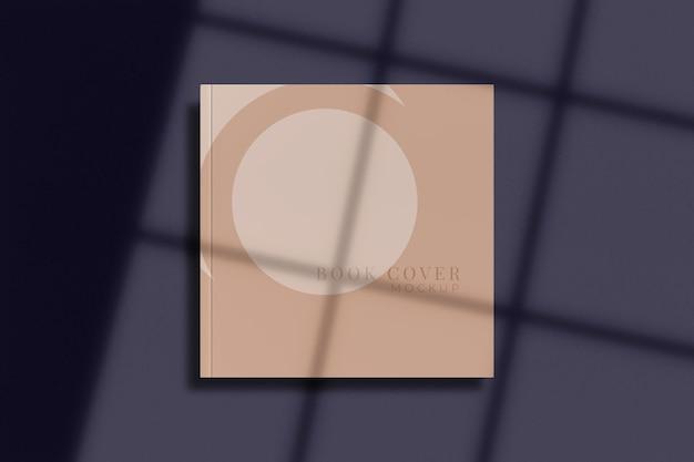 Copertina quadrata vuota di riviste, libri, opuscoli, brochure. per la presentazione aziendale con sovrapposizione di ombre. rendering 3d