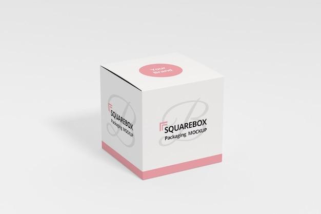 Mockup di scatola quadrata con sfondo bianco