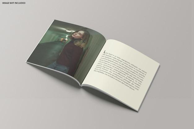 Mockup aperto del catalogo quadrato