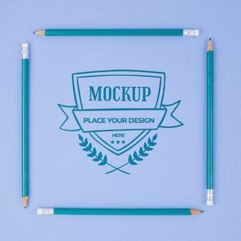 Mock-up aziendale di matite blu quadrate