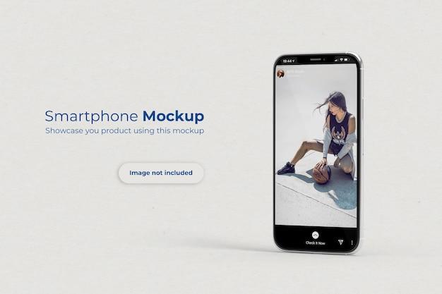 Mockup di smartphone in piedi