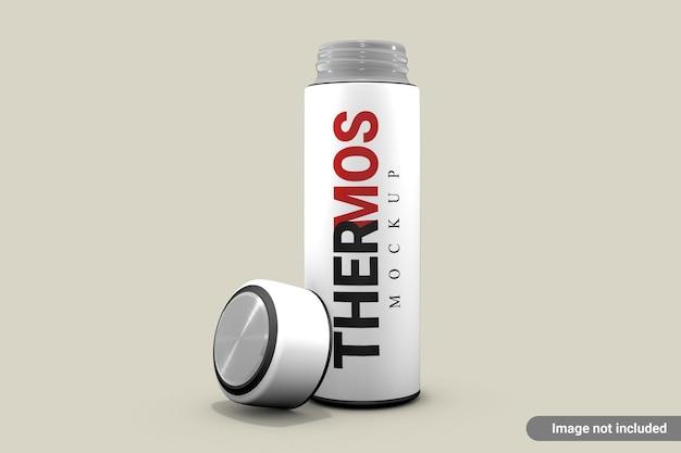 Thermos bottiglia d'acqua mockup isolato