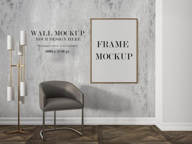 Mockup di cornice in legno sottile in interni moderni di lusso