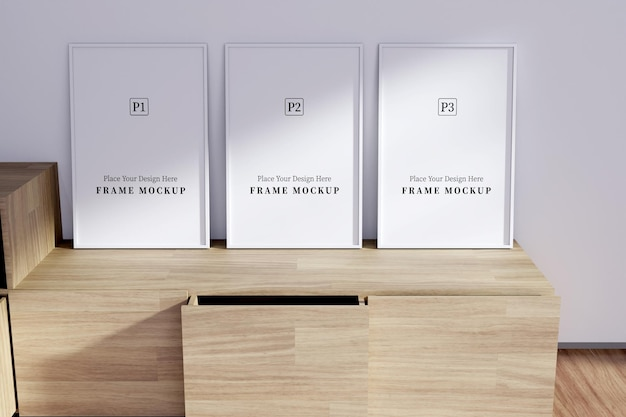Tre mockup di cornice verticale vuota con sovrapposizione di ombre in camera