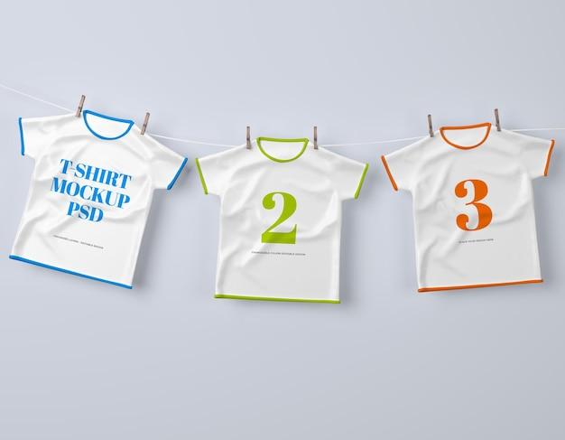 Tre t-shirt per bambini con design modificabile e mockup di colori mutevoli psd