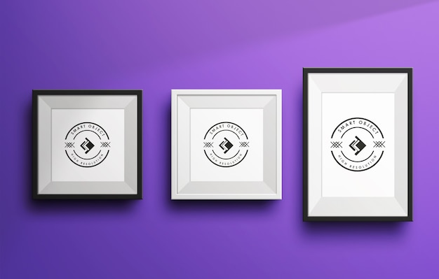 Tre mockup di fotogrammi realistici nel muro vuoto
