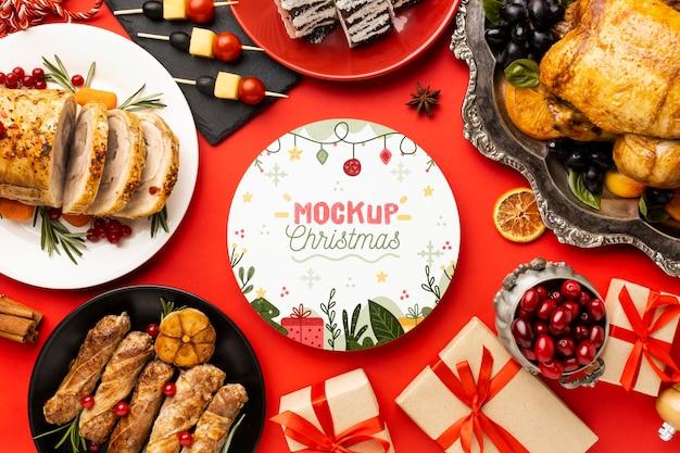Vista dall'alto del delizioso mock-up di cibo natalizio