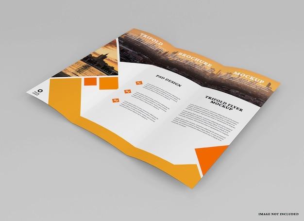 Design mockup brochure a tre ante isolato