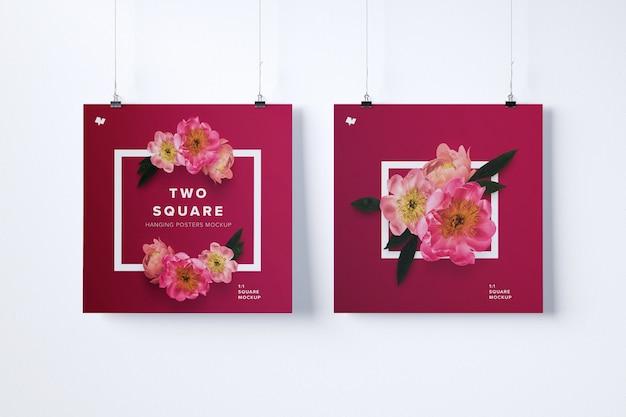 Mockup di due poster appesi quadrati