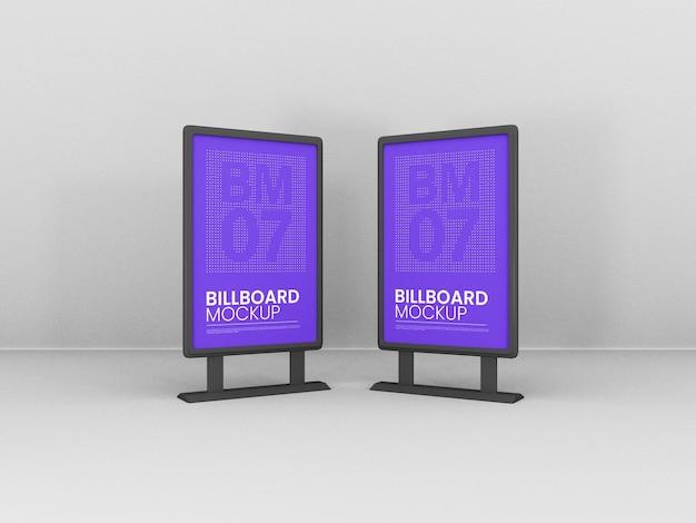Mockup di cartelloni pubblicitari con supporto verticale