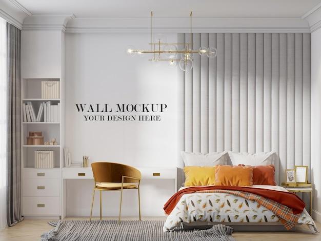 Sfondo del muro dietro il letto in una piccola camera da letto