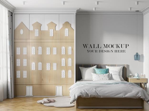 Mockup a parete accanto all'armadio a forma di casa