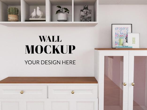Wall mockup realistico sul mobile in legno