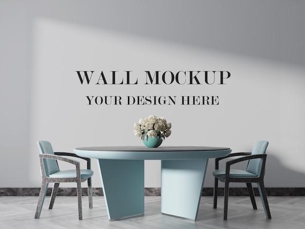 Mockup di muro dietro rose bianche per il tuo design