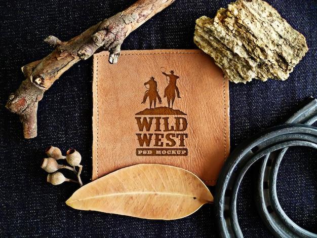 Mockup di portafoglio con concetto di selvaggio west