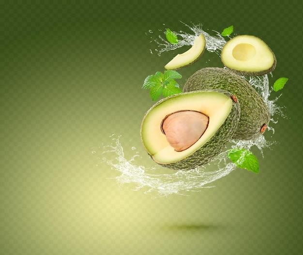 Spruzzi d'acqua su avocado con foglie di menta isolate su sfondo verde. psd premium
