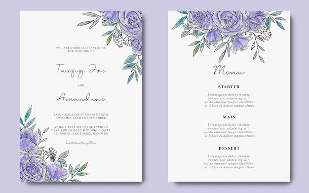 Modello di carta di invito a nozze con sfondo di fiori viola dell'acquerello