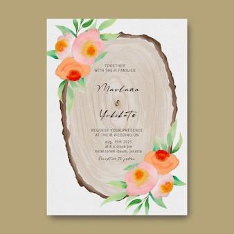 Modello di carta di invito di nozze con decorazione floreale viola dell'acquerello