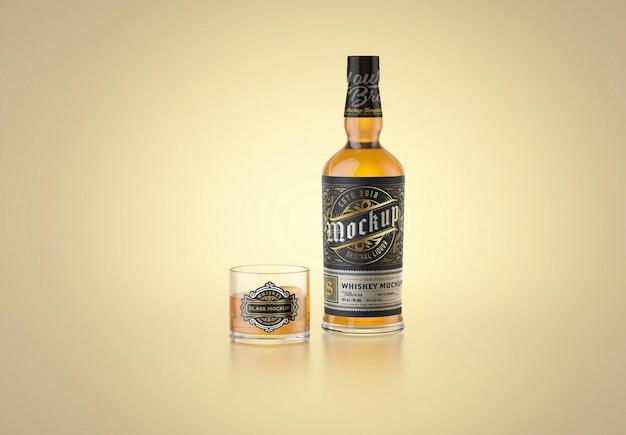 Bottiglia di whisky e mockup di vetro