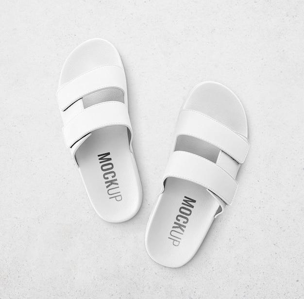 Mockup di pantofole bianche realistico