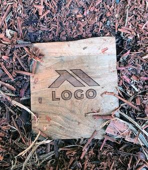 Mockup di incisione su legno