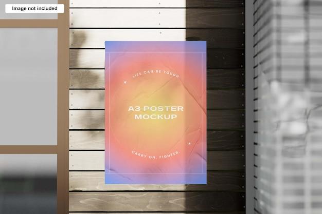 Mockup di poster a3 stropicciato