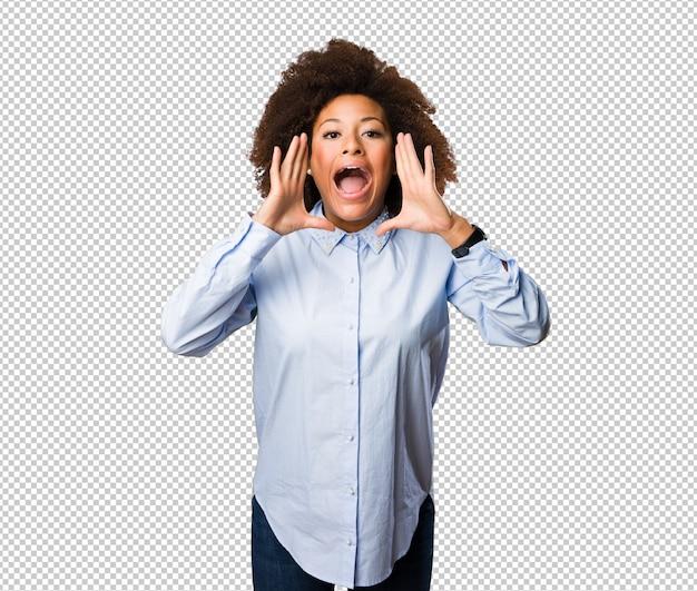Giovane donna di colore che grida