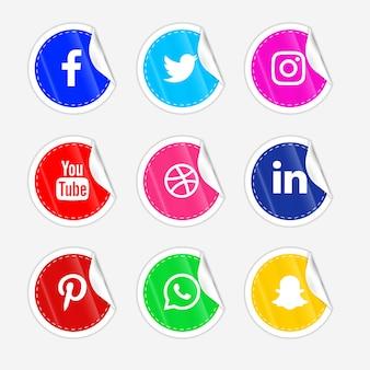 3d rotondo carta piega adesivo lucido pulsante icona social media con set di effetti sfumati