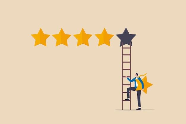 Recensione di valutazione di 5 stelle di alta qualità e buona reputazione aziendale, feedback dei clienti o punteggio di credito, concetto di grado di valutazione, uomo d'affari che tiene la 5a stella per salire sulla scala per ottenere la migliore valutazione.