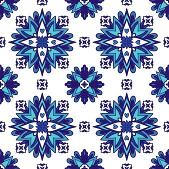 Reticolo ornamentale senza giunte della mandala astratta del damasco per tessuto. piastrella azulejo blu