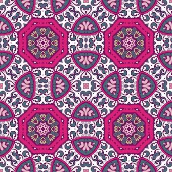 Piastrelle geometriche astratte bohemien etnico senza cuciture ornamentali.