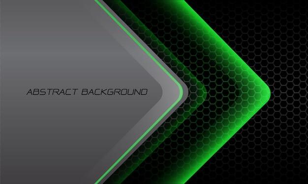 Direzione astratta della freccia della luce verde sullo spazio vuoto metallico grigio scuro della maglia di esagono