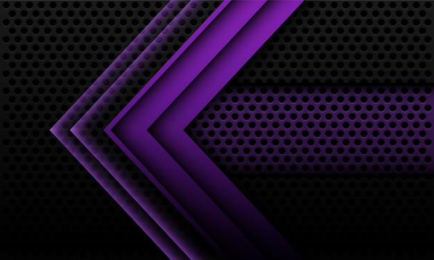 Fondo metallico viola astratto con la freccia e le ombre geometriche