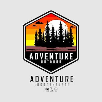 Modello con logo di avventura