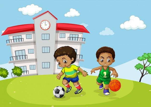 Bambino africano che gioca sport davanti alla scuola