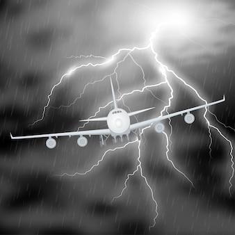 Tempesta notturna dell'aeroplano realistica. getto in nubi temporalesche con fulmine