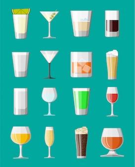 Collezione di bevande alcoliche in bicchieri.