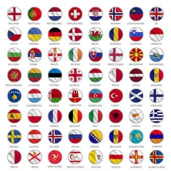 Tutte le bandiere di paesi europei circondano lo stile d'ondeggiamento