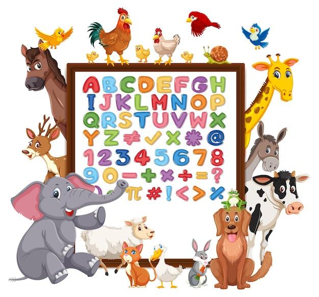 Alfabeto az e simboli matematici su una lavagna con animali selvatici
