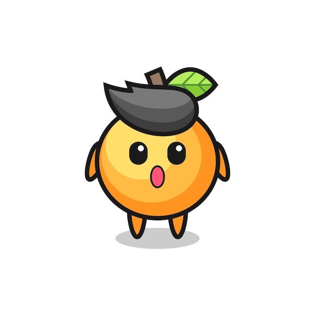 L'espressione stupita del cartone animato di frutta arancione, il design in stile carino per maglietta, adesivo, elemento logo
