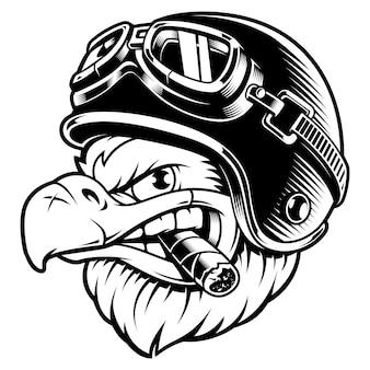 Aquila americana con sigaro. illustrazione del motociclista con casco biker. grafica della camicia. su sfondo bianco.